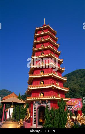 La Chine, Hong Kong, New Territories, Sha Tin, dix mille Bouddha Pagode Monastère Banque D'Images