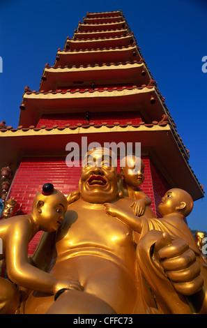 La Chine, Hong Kong, New Territories, Sha Tin, dix mille Bouddha Statue Bouddha, Monastère Banque D'Images