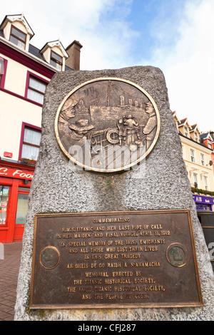 Cobh, dans le comté de Cork, Irlande. Monument aux victimes de la tragédie du Titanic, par M. O'Donovan. Banque D'Images