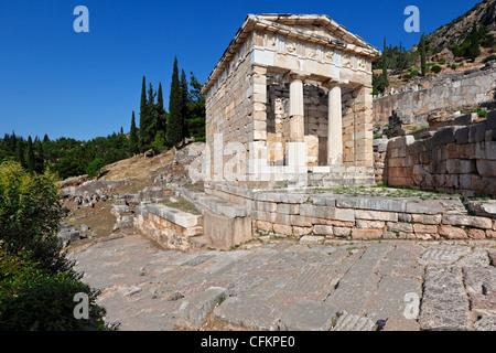Trésor des Athéniens (5e 100. C.-B.) à Delphes, Grèce Banque D'Images