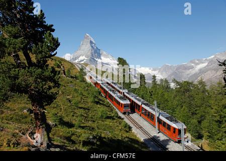 Chemin de fer du Gornergrat en face du Matterhorn, Zermatt, Valais, Riffelberg, Swiss Alps, Switzerland, Europe Banque D'Images