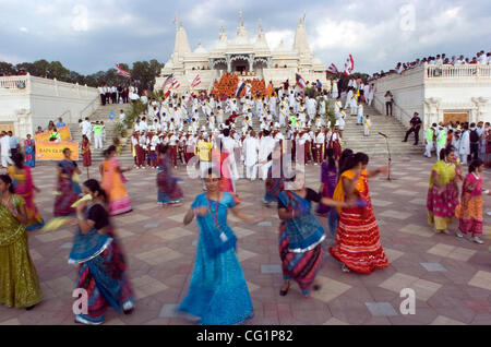 La danse des femmes dans la célébration pendant les cérémonies de la somme de 19 millions de petits pains (Bochasanwasi Banque D'Images