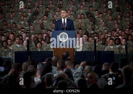 Le président américain Barack Obama traite de soldats le 31 août 2012 au cours d'une visite à Fort Bliss, au Texas. Banque D'Images
