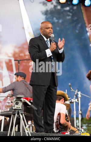 Denver, CO - Denver le maire Michael Hancock s'adresse à la foule au festival de débat sur le campus de l'Université Banque D'Images