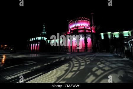 Brighton UK 30 octobre 2012 -Le Royal Pavilion à Brighton est allumé ce soir par un nouvel ensemble de lumières Banque D'Images