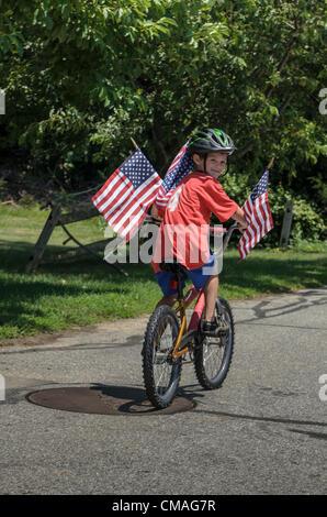 Niantic, Connecticut, le 4 juillet 2012 - Les résidants de célébrer le Jour de l'indépendance avec la 40e édition Banque D'Images