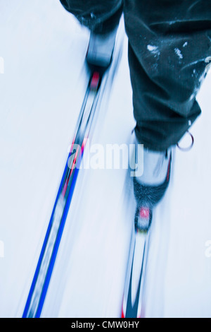 La section basse d'une personne le ski de fond Banque D'Images