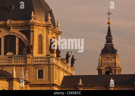 Madrid, Espagne. Catedral Nuestra Señora de la Almudena. Notre Dame de la cathédrale Almudena. Banque D'Images