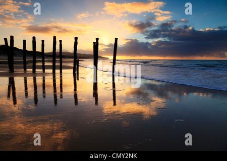 Lever du soleil à St Clair Beach, Dunedin, Otago, Nouvelle-Zélande. Banque D'Images