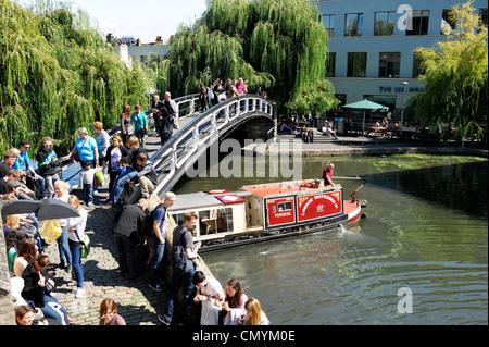 Royaume-uni, Londres, Camden, péniche près de Camden Lock Banque D'Images