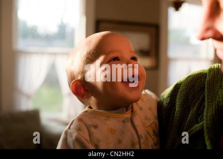 Mère avec smiling baby boy Banque D'Images