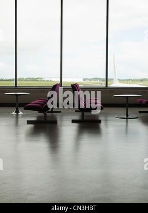 Chaises vides dans l'aéroport Banque D'Images