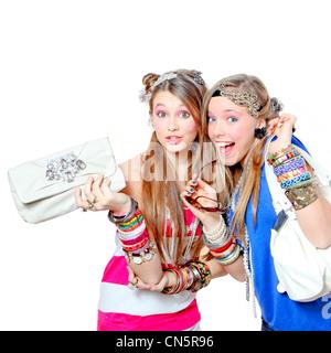 Mode pour enfants, adolescents ou jeunes filles avec bracelets et accessoires Banque D'Images