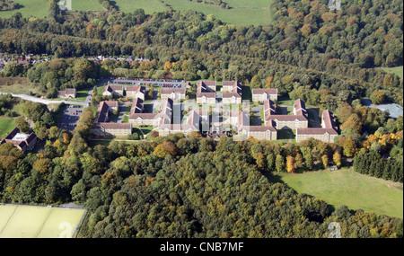 Vue aérienne de LA GALERIE DE FOUILLES Storthes Hall Student Accommodation faisant partie de l'Université HUDDERFIELD Banque D'Images