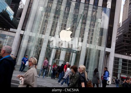 Apple store de la Cinquième Avenue à Manhattan, New York City Banque D'Images