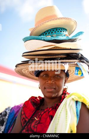 Un vendeur local hat, Philipsburg, Saint Martin, les Antilles Banque D'Images