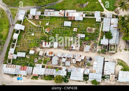 Zone de marché non fini dans la banlieue de Dar es Salaam, Tanzanie, vue aérienne Banque D'Images
