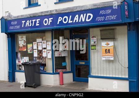 Goût DE POLOGNE Polonais supérette sur high street, dans le sud du Pays de Galles UK Merthyr Tydfil