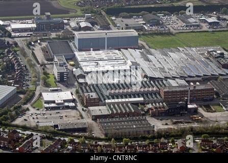 Vue aérienne des usines sur l'avenue Beech, juste à côté de l'A38, Burton on Trent, Staffordshire Banque D'Images