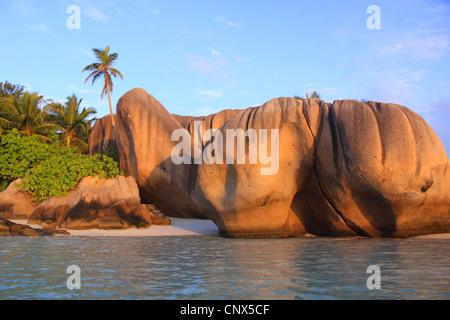 Formation de granit sur la plage Anse Grande Source, La Digue, Seychelles