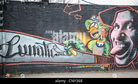 Le graffiti près de East Side Gallery à Berlin, Allemagne Banque D'Images