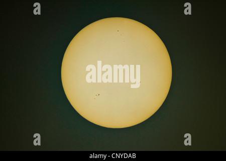 Disque solaire avec les taches solaires Banque D'Images