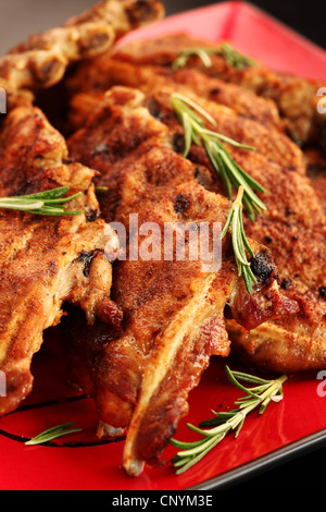 Côtes levées barbecue fraichement grillés Banque D'Images