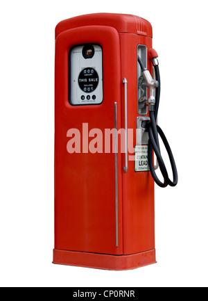 L'isolement de la pompe de l'essence essence rouge avec 25c du gaz sur des cadrans Banque D'Images