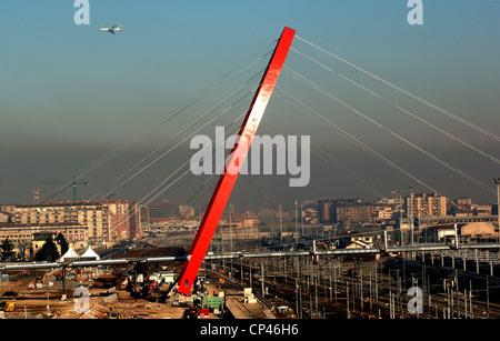 Piémont Turin. arch supports au-dessus du cycle piétonne qui traverse le pont de fer, de rejoindre Village Olympique, Banque D'Images