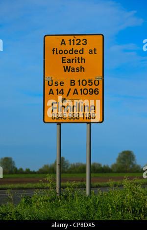 Panneau d'avertissement d'inondation pour Earith, lavage, Cambridgeshire, Angleterre Earith Banque D'Images
