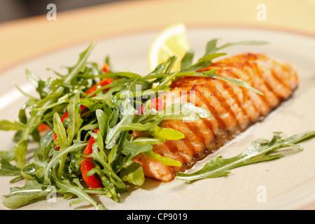 saumon grillé Banque D'Images