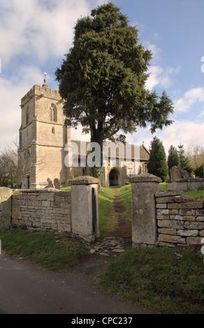 Église Sainte-Marie-la-Vierge, dans le village de Broughton Gifford, Wiltshire, Angleterre, Royaume-Uni Banque D'Images