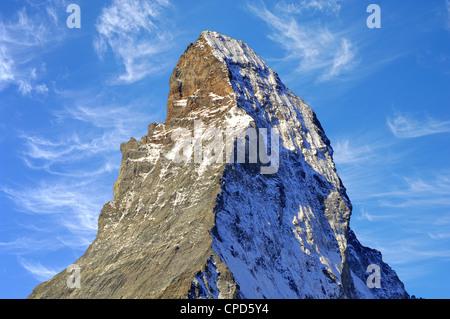 Le Matterhorn (allemand),Monte Cervino (italien) ou le Mont Cervin (en français) est une montagne dans les Alpes Banque D'Images