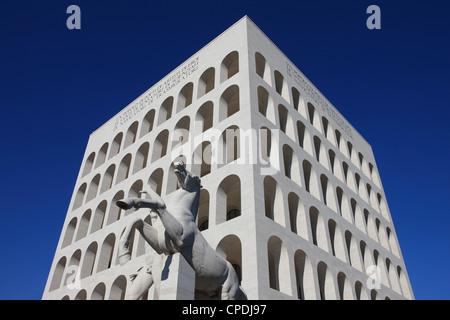 Palazzo della Civiltà Italiana, EUR, Rome, Latium, Italie, Europe Banque D'Images