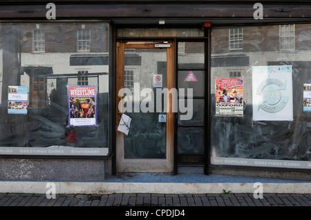 Atelier fermé dans un centre-ville. Wantage, Oxfordshire, UK. Banque D'Images