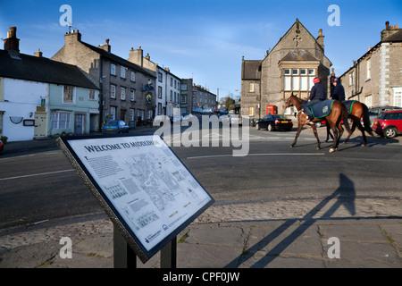 Bienvenue au Village de Middleham, Informations touristiques Carte de Wensleydale, Richmondshire, North Yorkshire, Banque D'Images