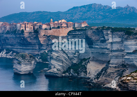 À l'aube de Bonifacio, Corse, France Banque D'Images