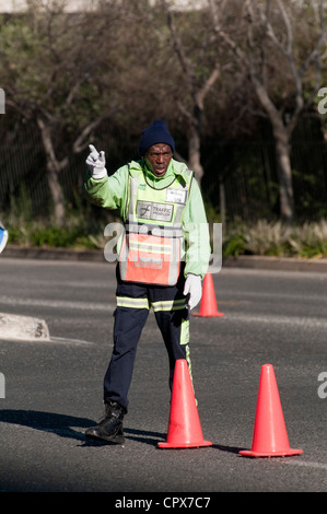 Pointsman dirige le trafic trafic Johannesburg Banque D'Images