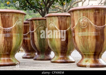 France Gard Anduze vases d'Anduze Les Enfants de Boisset Poterie appelée Entreprise du Patrimoine Vivant Entreprise du Patrimoine Vivant
