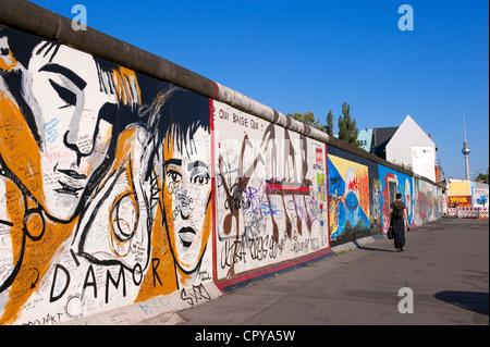 Allemagne, Berlin, Friedrichshain, East Side Gallery, vestiges du mur sur le côté est (ex-RDA) Banque D'Images