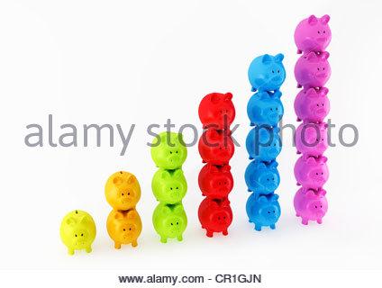 Graphique à barre faite de colonnes de Piggy Banks Banque D'Images