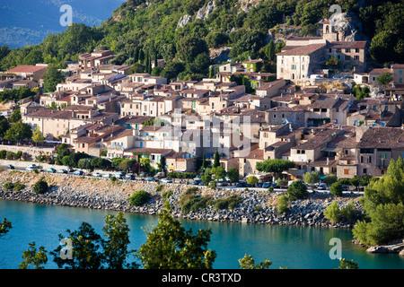 La France, Var, parc naturel régional du Verdon, Le Lac de Sainte Croix, village de Bauduen Banque D'Images