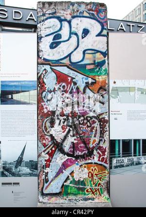 Sections du mur de Berlin à la Potsdamer Platz à Berlin, Allemagne Banque D'Images