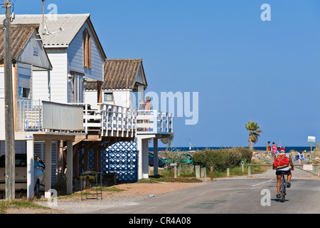 france aude gruissan plage et sa maison sur pilotis banque d 39 images photo stock 35523939 alamy. Black Bedroom Furniture Sets. Home Design Ideas