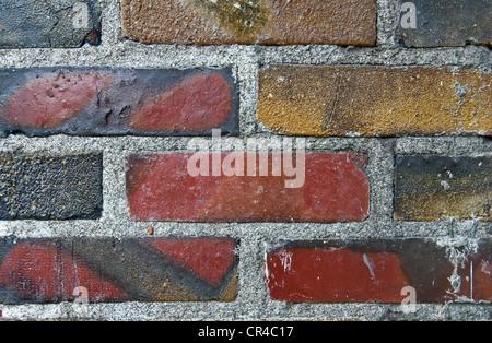 Retro grunge libre d'un mur de briques est très inhabituel dans la couleur et la texture. Super pour les éléments Banque D'Images