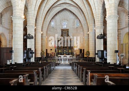 L'intérieur, Cathédrale de Santa Maria la Menor, la plus ancienne cathédrale du Nouveau Monde, 1532, Santo Domingo, République Dominicaine