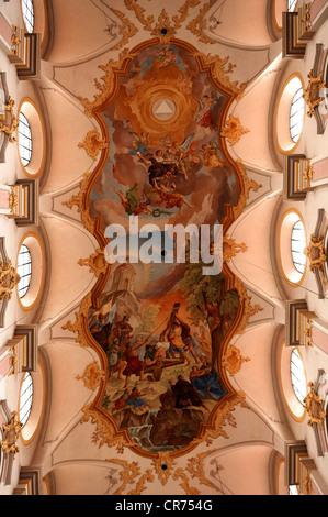 Fresque au plafond, 18e siècle, par Johann Baptist Zimmermann dans l'église de Saint - Pierre, Rindermarkt 1, Munich, Banque D'Images