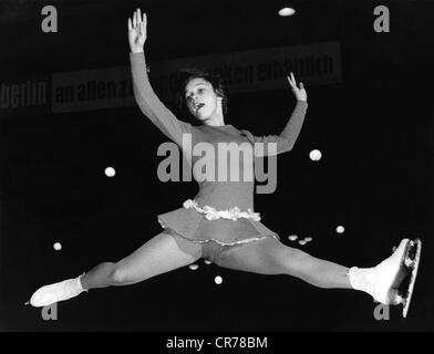 Gabriele Seyfert, 'Gaby', * 23.11.1948, la patineuse artistique allemande, pendant le championnat d'Allemagne à Banque D'Images