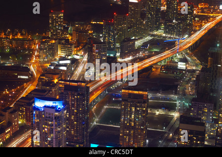 Vue aérienne de Toronto lit up at night Banque D'Images