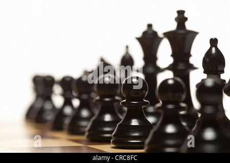 Close up of chess pieces on board Banque D'Images